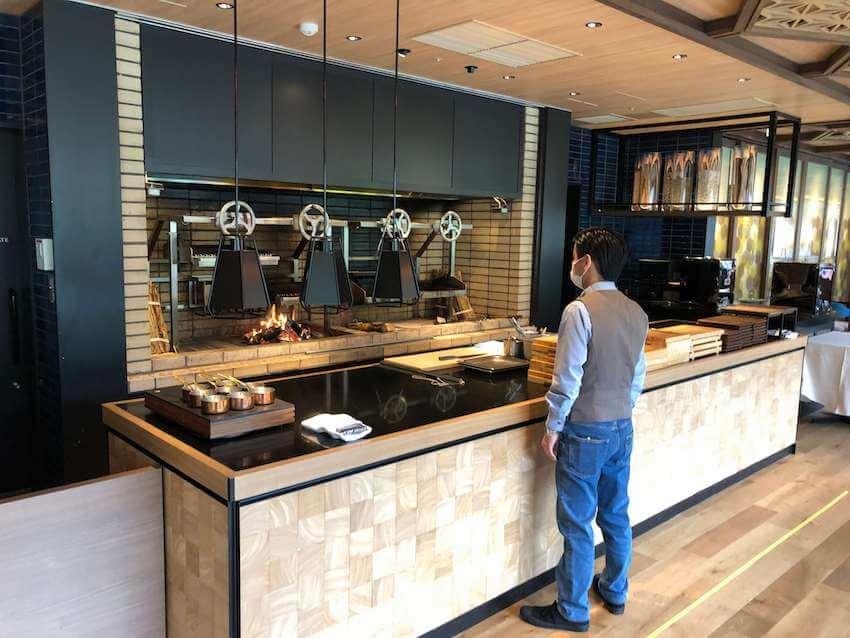 箱根|バイキングレストランで友達とアルバイト